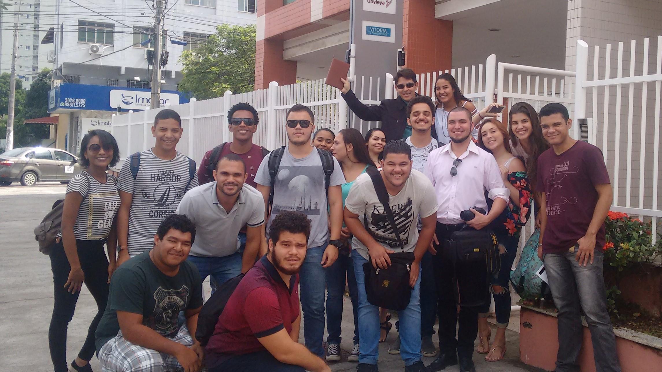 Estudantes da Faculdade Vale do Cricaré visitam o Grupo Prix!